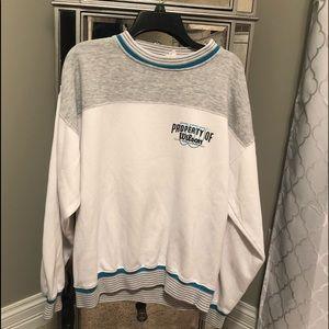 Tops - vintage crewneck sweatshirt